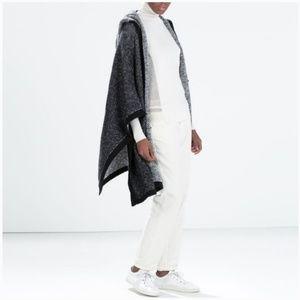🎉Zara Knit Navy Blue Oversized Hooded Poncho🎉